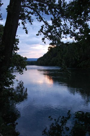 Shenandoah River Outfitters, Inc.: At the end of our padddle the river is beautiful