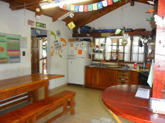 La Casa del Árbol  Hostel El Bolson: Cocina