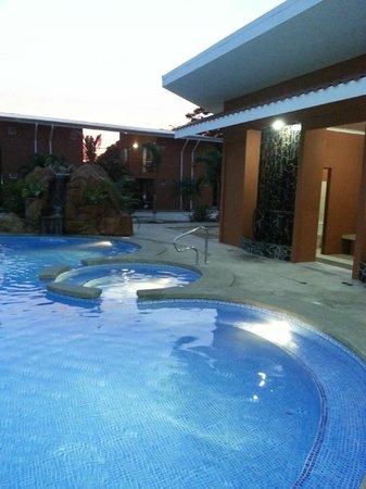 Hotel & Villas Huetares : Nueva atracción, nuestra nueva piscina