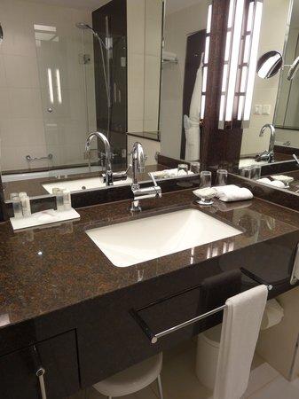 Le Meridien Stuttgart : Bath Room