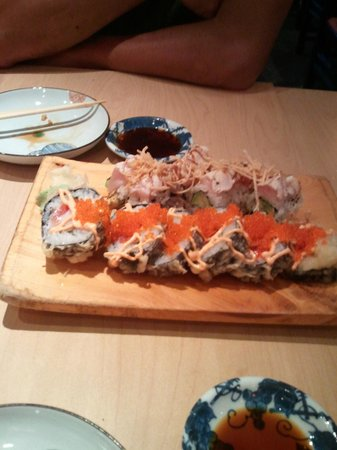 Sachi Sushi: Tuna and House roll