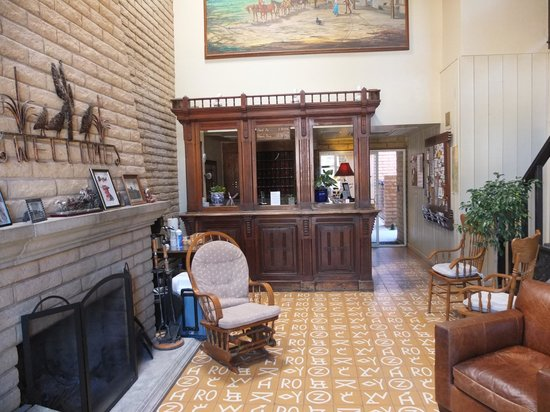 Stage Stop Inn: The cowboy era lobby