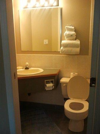 De Rock Arch Place: Bathroom
