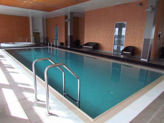 Stamford Plaza Auckland: Pool and spa pool