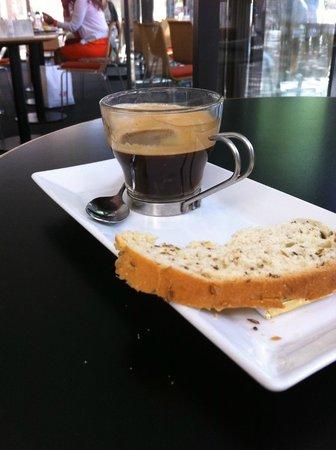 Flora Danica : Espresso and bread!