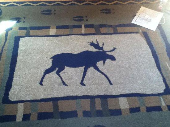 Moose Creek Inn: Cute Moose Rug