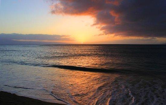 Kahana Falls : Sunset from Kahana, Maui