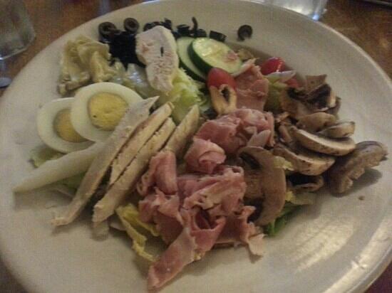 Hooligans Food & Drink : Chef salad 9.99 w/artichoke hearts