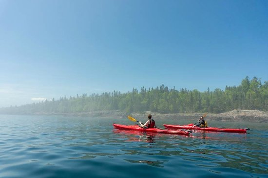 ‪North Shore Expeditions -Day Kayaking Tours‬