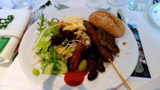BEST WESTERN PLUS Kenwick Park Hotel: Delicious BBQ