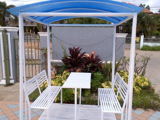 Chayadol Boutique Resort: Garden