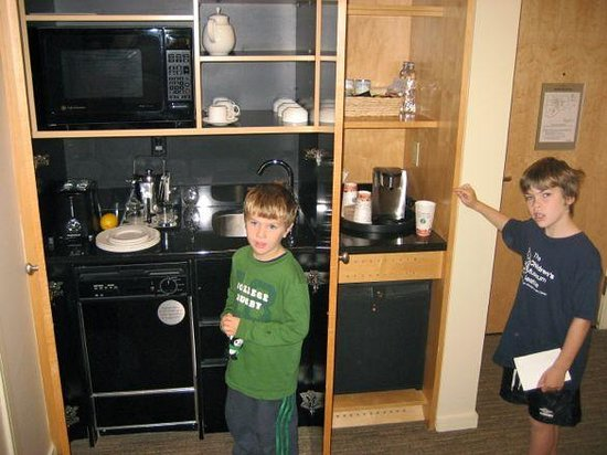 The Westin Grand, Vancouver: Kitchenette