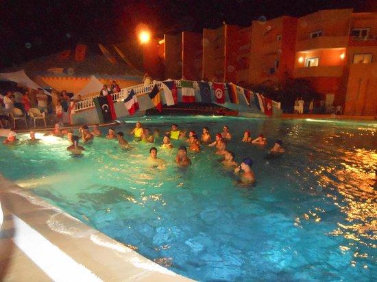 Caribbean World Palma Djerba : Poolgame and Party