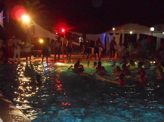 Caribbean World Palma Djerba : Poolparty