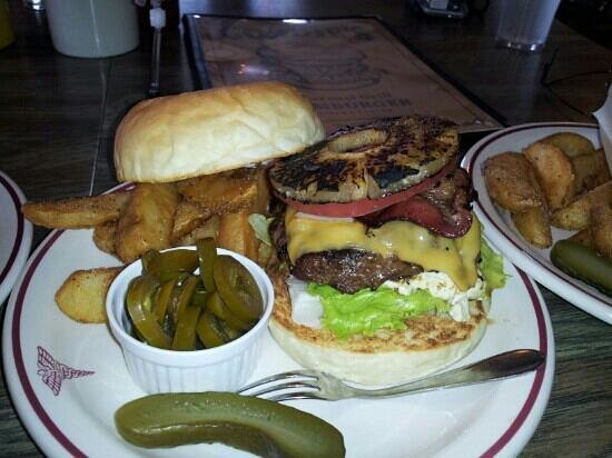 Gordie's Hamburger: pineapple bacon cheese burger