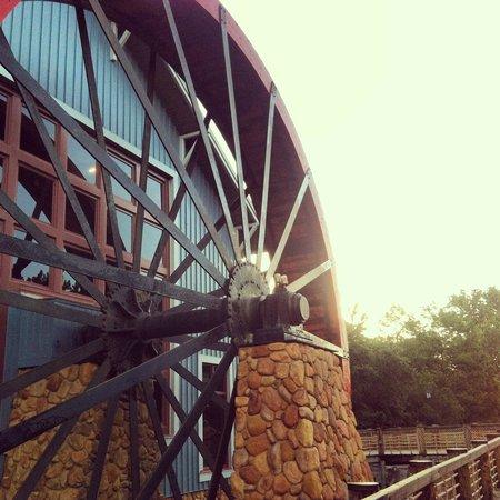 Disney's Port Orleans Resort - Riverside: Water Wheel