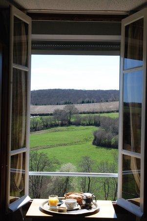 Hôtel l'Annexe : Vue exceptionnelle sur le paysage du Morvan