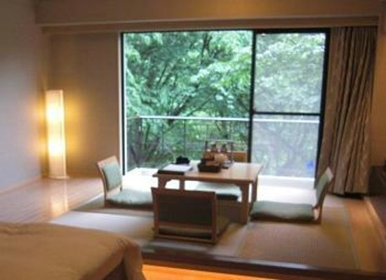 Hotel Hatsuhana: モダンな雰囲気のお部屋