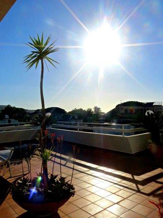 هوتل كارافيل: Terrasse