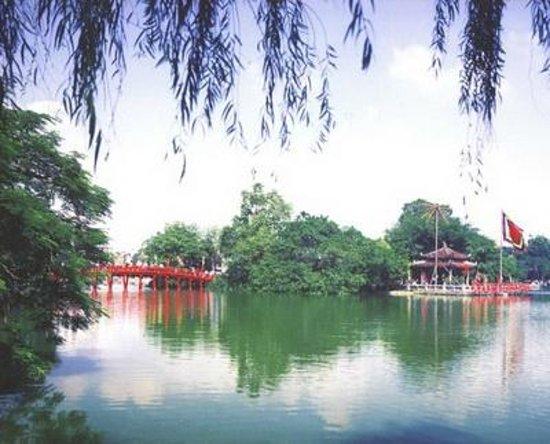 Hanoi Serendipity Hotel : Place to visit - Hoan Kiem Lake