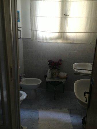 Toilet - Picture of Soggiorno Fortezza Fiorentina, Florence ...