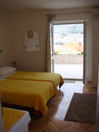 Guesthouse Lile: room