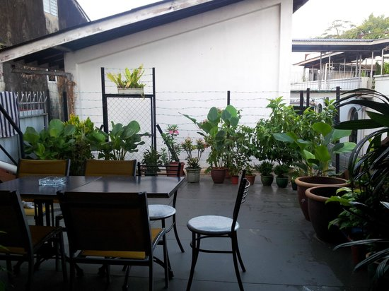 Batu Bata Guesthouse: The sweet cozy balcony