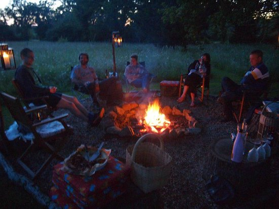 La Maison Verte: Campfire at the bottom of the garden