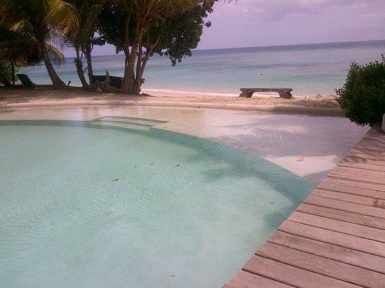 Laluna Hotel: piscina sulla spiaggia