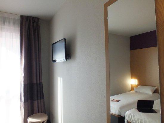 B&B Hotel Lille Grand Stade : Chambre double