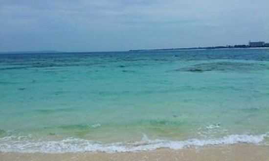 Yonaha Maehama Beach: 来る間島より