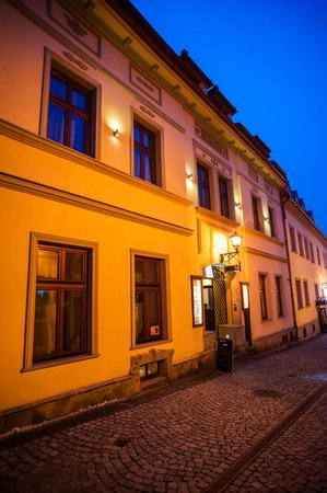bielsko biala bbw personals Located only 10 metres from the market square in bielsko-biała's old town, maluch cafe & apartments is in a building dating from the 18th century.