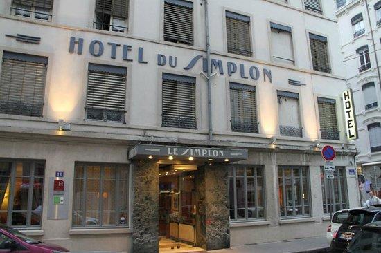 Hotel du Simplon: Front Entrance