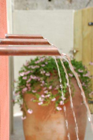 Le Passage : fontaine -