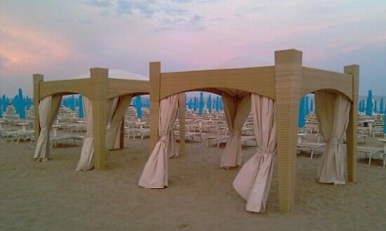 Eden Hotel: beach