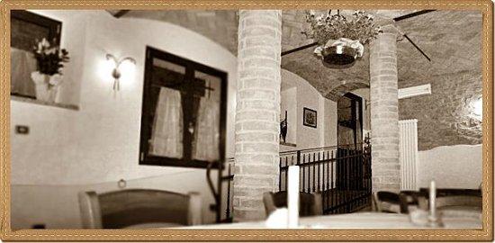 Villa d'Aiano, Italy: Agriturismo entrata sala 1