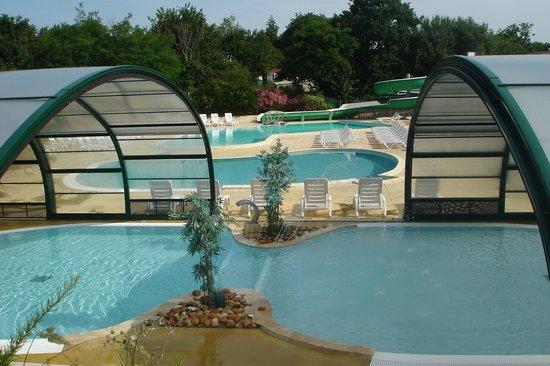 Yelloh! Village la Chênaie : piscine