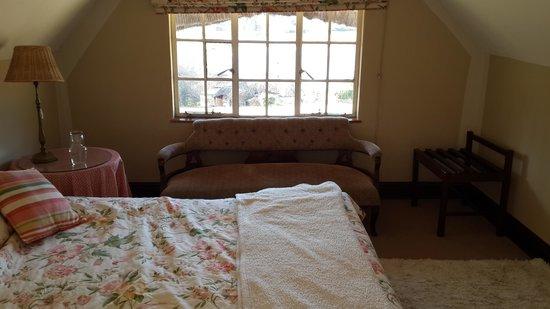 Rawdons Hotel & Estate: main bedroom