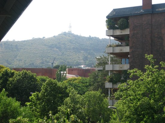 Residencia Universitaria Torre Girona: View from the hall way of third floor.