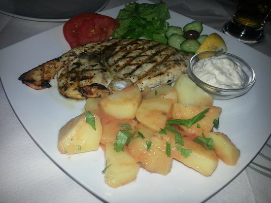 Apollon Restaurant: swordfish on the grill