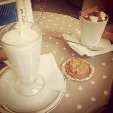 Giovanni's Ice Cream Parlour and Coffee Shop: Give the special hot choc a go.  Its a MUST