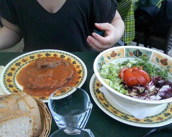 Antico Travaglio - Osteria Gelateria: Ossobuco e insalatona