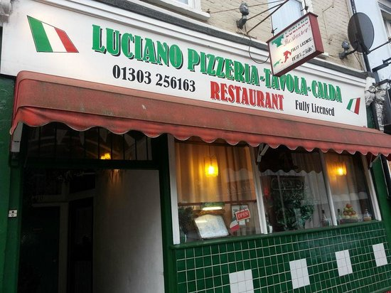 Luciano's: outside