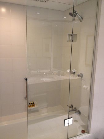 Hyatt Regency Perth: Bathroom