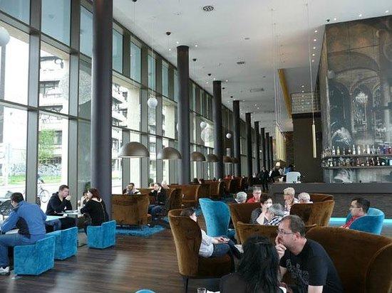 Motel One Berlin-Hackescher Markt: 1 этаж