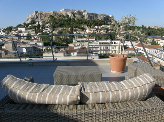 Plaka Hotel: The view from the roof terrace early in the morning