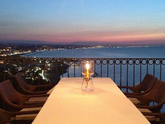 tavolo di Domiziani-Deruta - Foto di Ristorante Posillipo, Gabicce ...