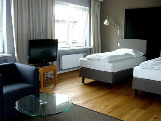 Best Western Hotel Goldenes Rad: The 2 twin type beds.