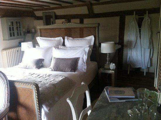 Plantation Farmhouse Boutique Bed and Breakfast: Larch room