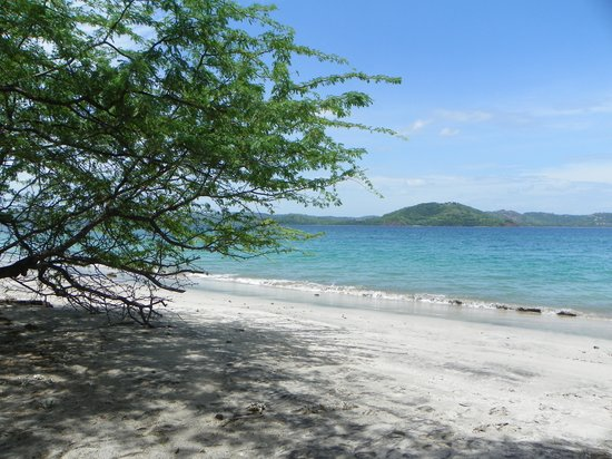 Four Seasons Resort Costa Rica at Peninsula Papagayo: First walk on the beach